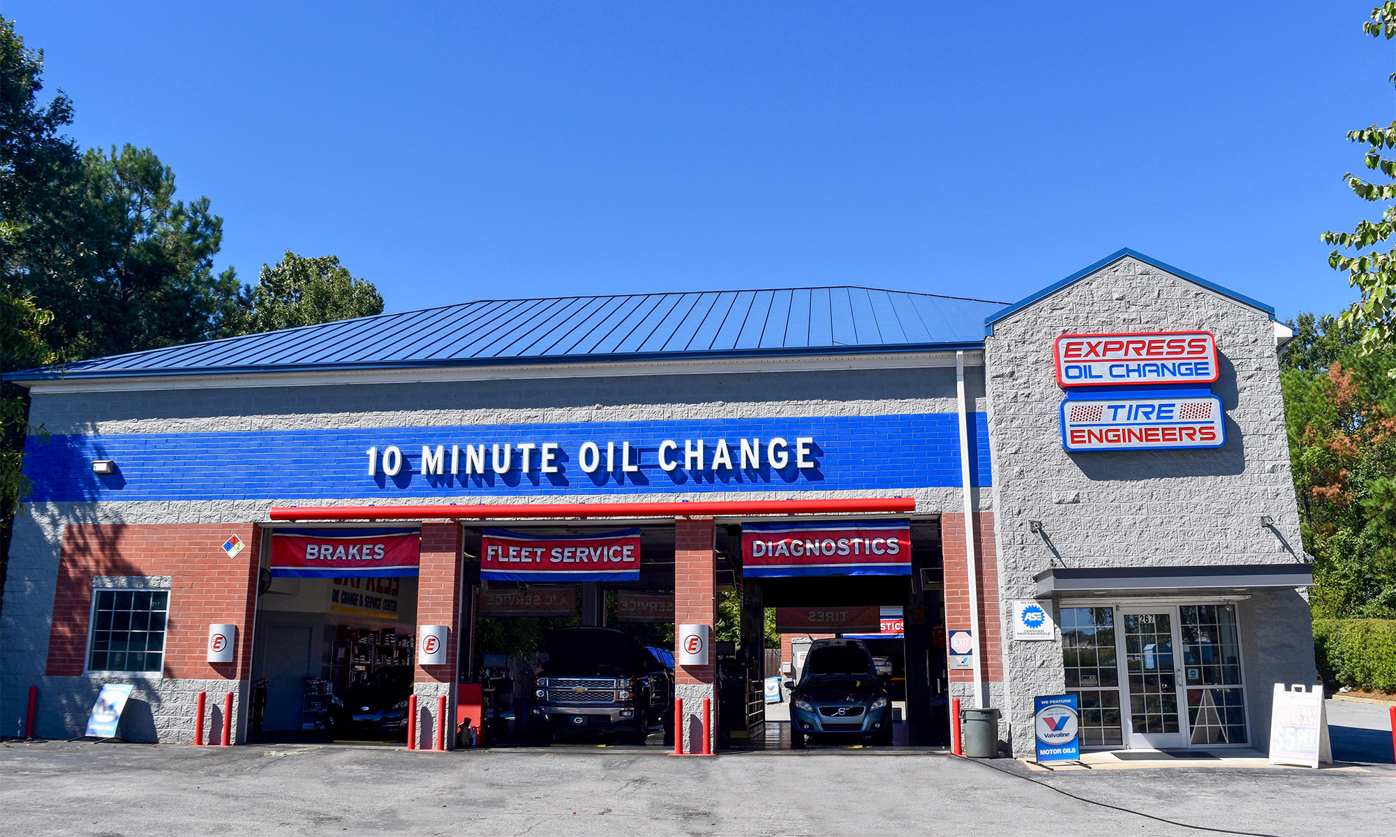 Express Oil Change & Tire Engineers Columbia, SC - Harbison Boulevard store