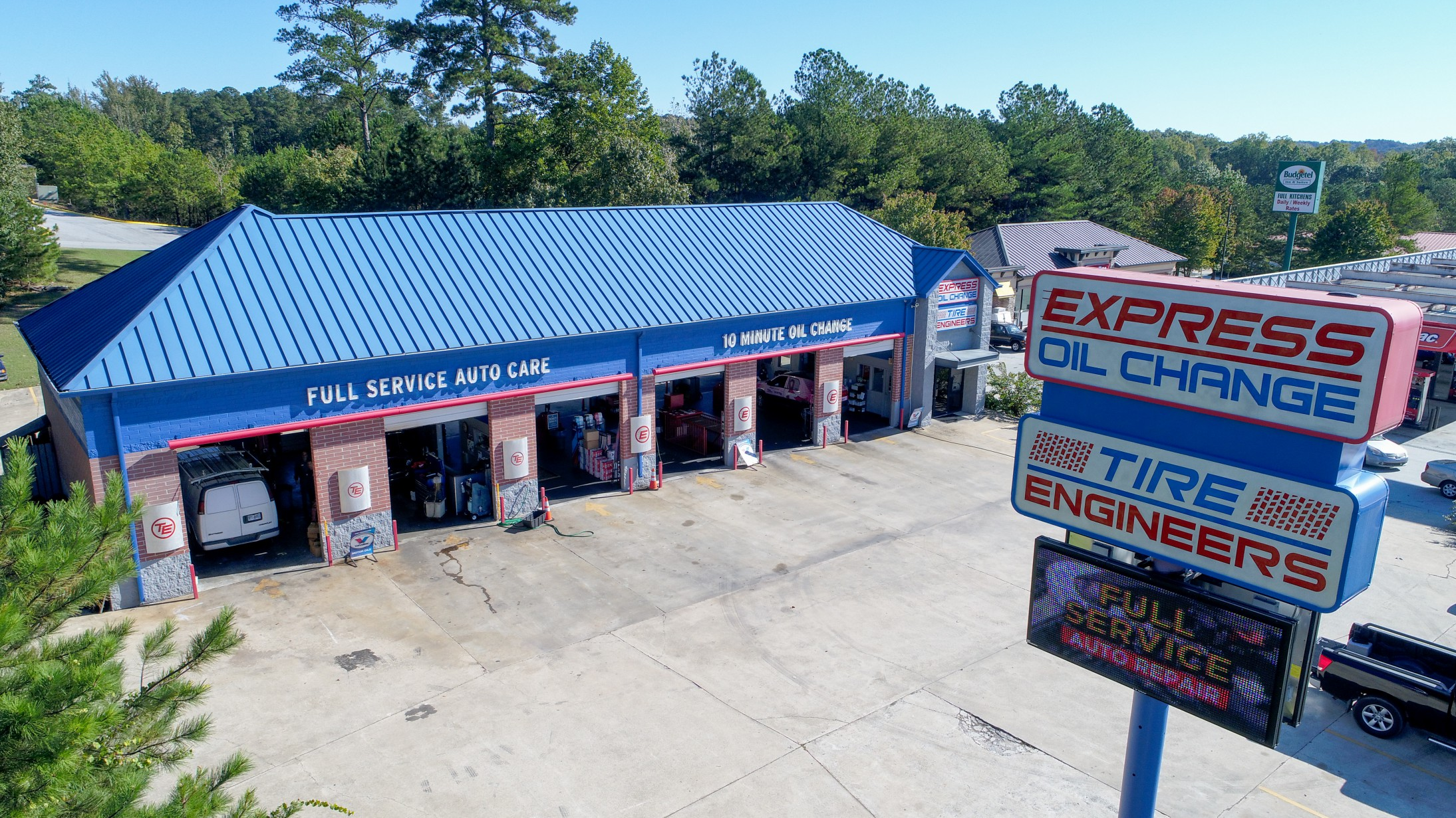 Express Oil Change & Tire Engineers Lithia Springs, GA - Thornton Road store