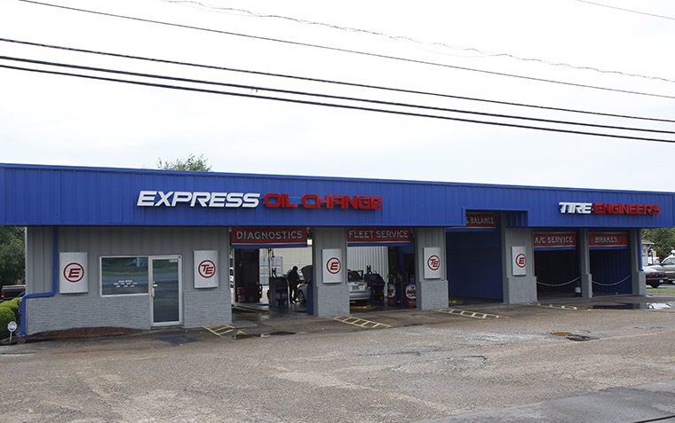 Express Oil Change & Tire Engineers at Huntsville, AL - Logan Drive store