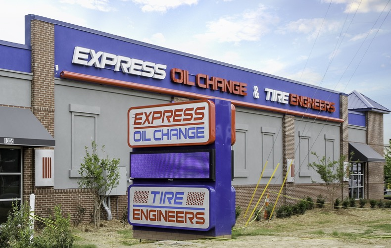 Express Oil Change & Tire Engineers Indian Trail, NC - Sun Valley store