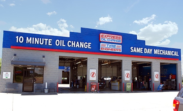 Express Oil Change & Tire Engineers Madison, AL - Wall Triana Highway store