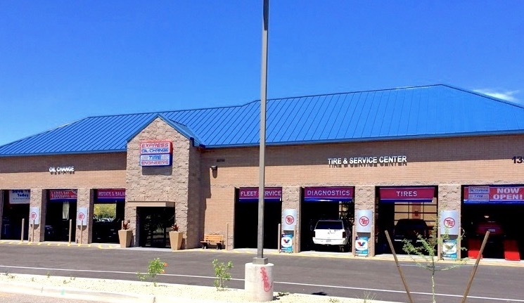 Cheapest Place To Get An Oil Change Near Me >> Oil Change Tires Auto Repair Peoria 85381 Express Oil