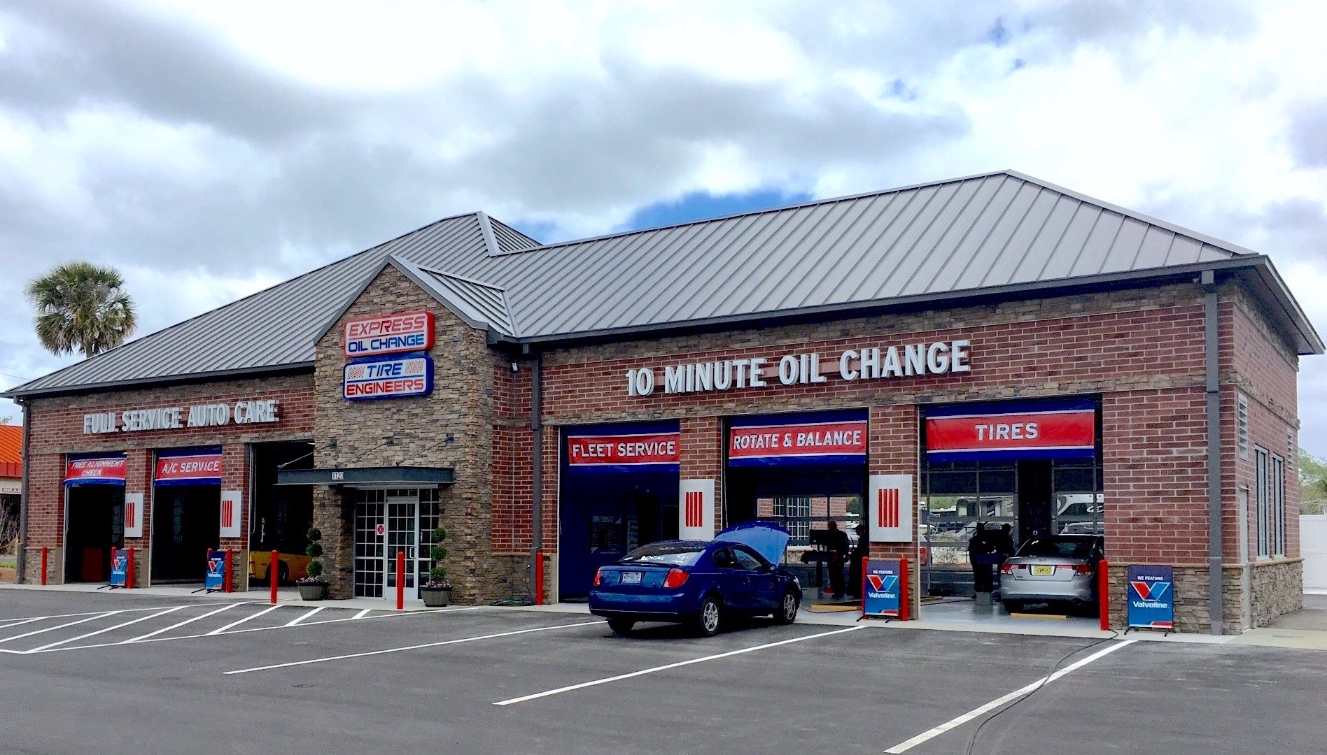 Express Oil Change & Tire Engineers at Oviedo, FL store