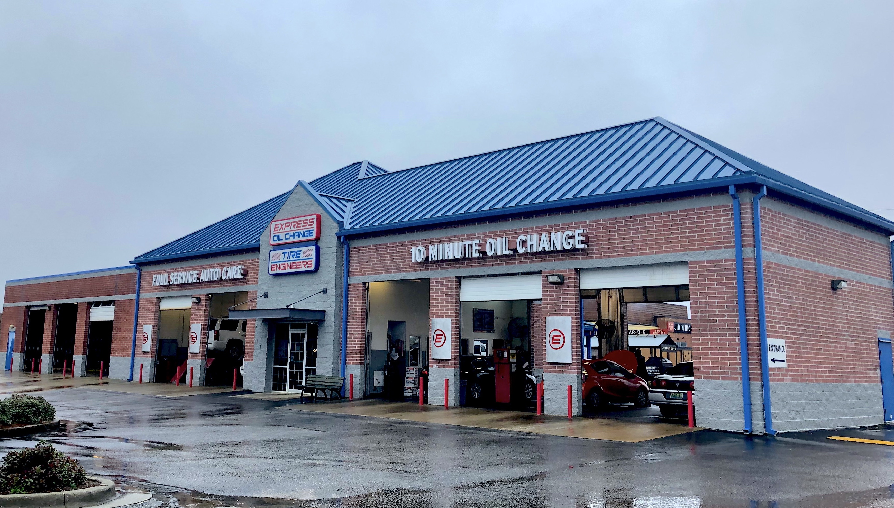 Express Oil Change & Tire Engineers at Auburn, AL - College Street store