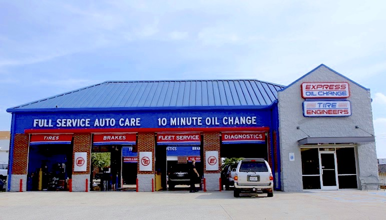 Express Oil Change & Tire Engineers Huntsville, AL - Drake Avenue store