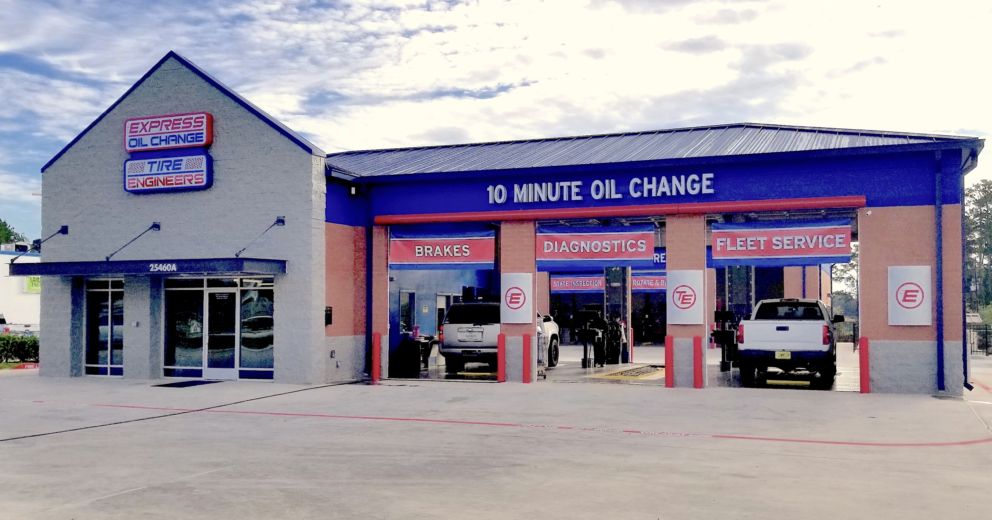 Express Oil Change & Tire Engineers Tomball, TX - London Town store