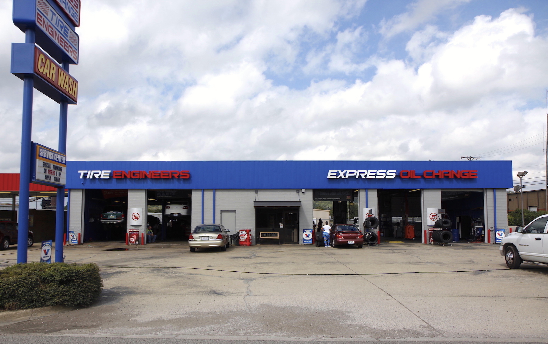 Express Oil Change & Tire Engineers at Birmingham, AL - Tarrant store