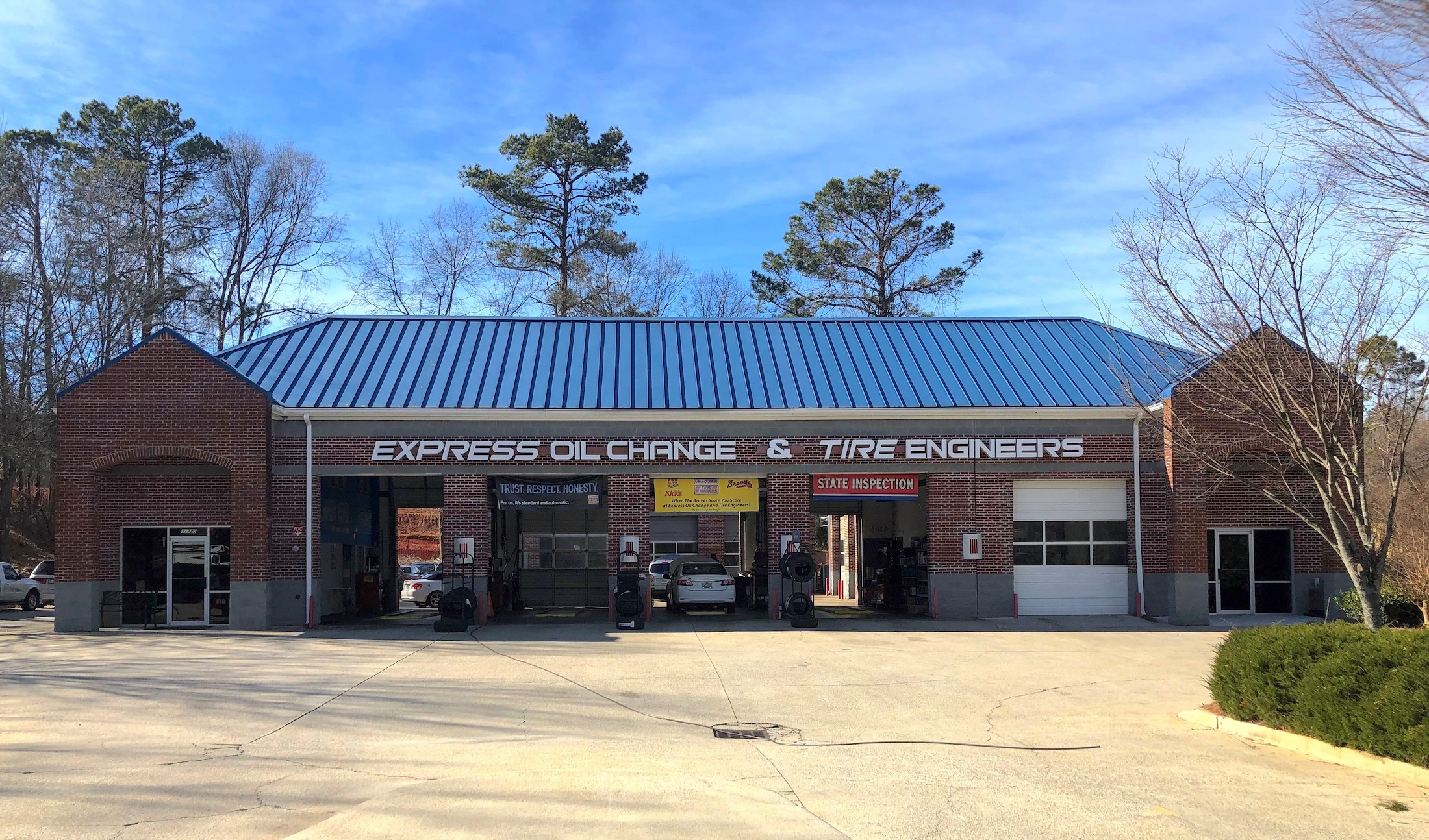 Express Oil Change & Tire Engineers Alpharetta, GA - Haynes Bridge Road store
