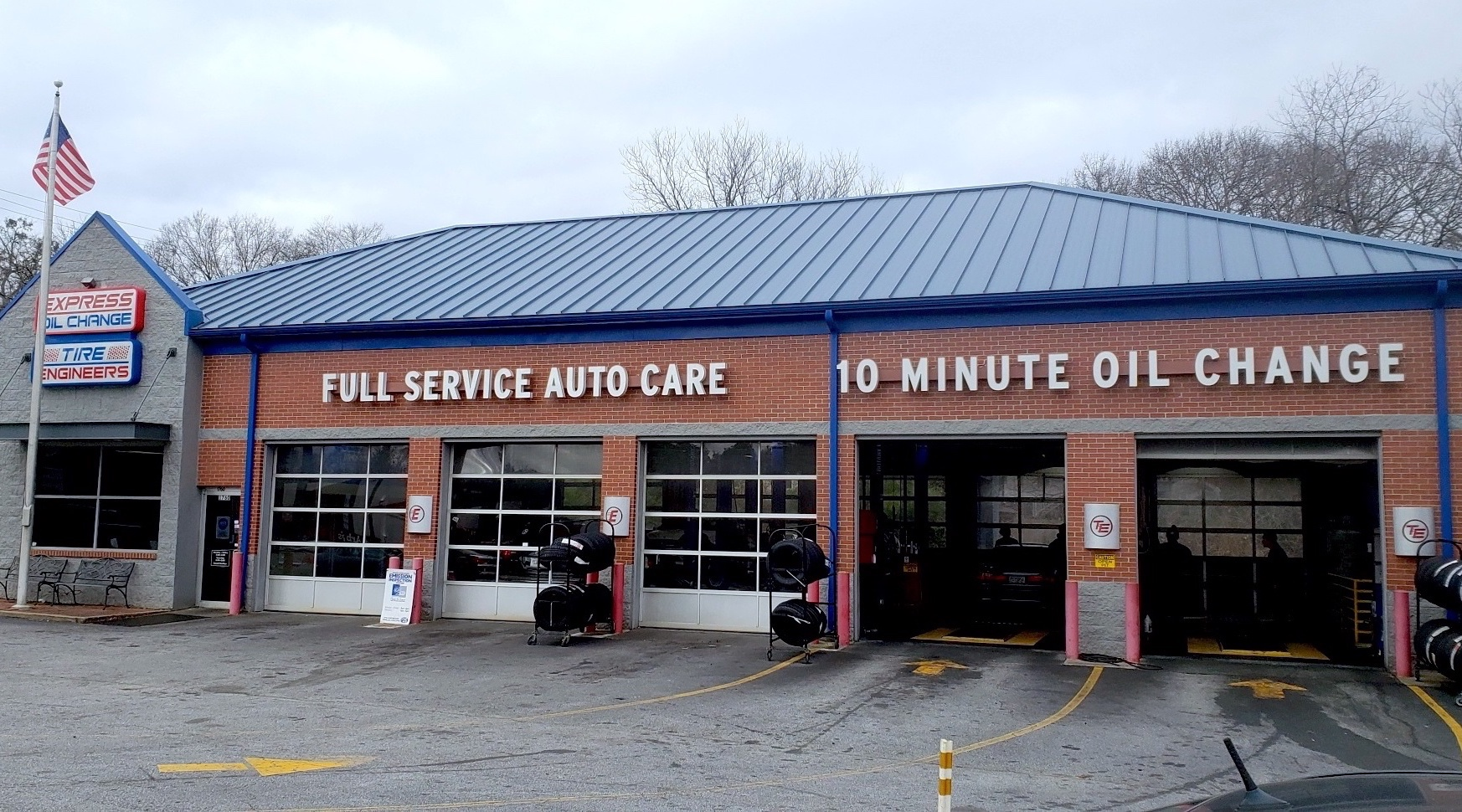 Express Oil Change & Tire Engineers at Atlanta, GA - Howell Mill Road store