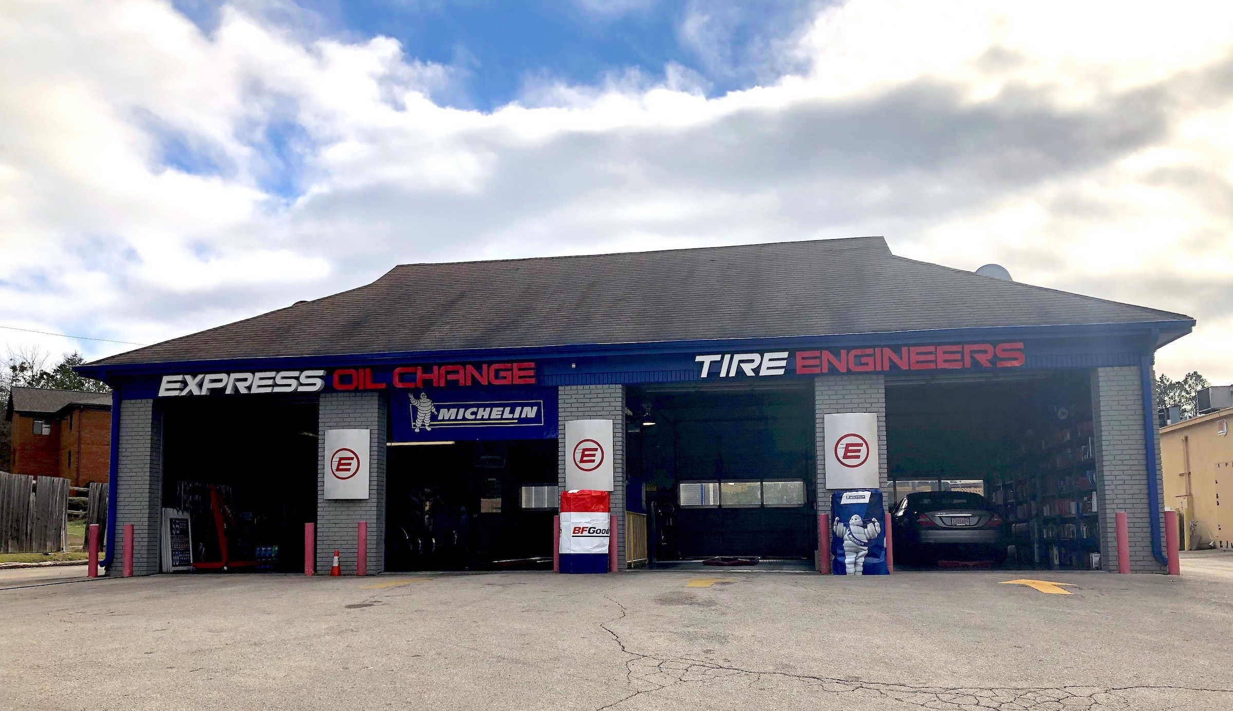 Express Oil Change & Tire Engineers Birmingham, AL - Inverness store