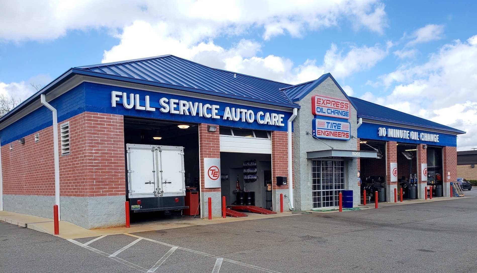 Express Oil Change & Tire Engineers at Jacksonville, FL - River City store