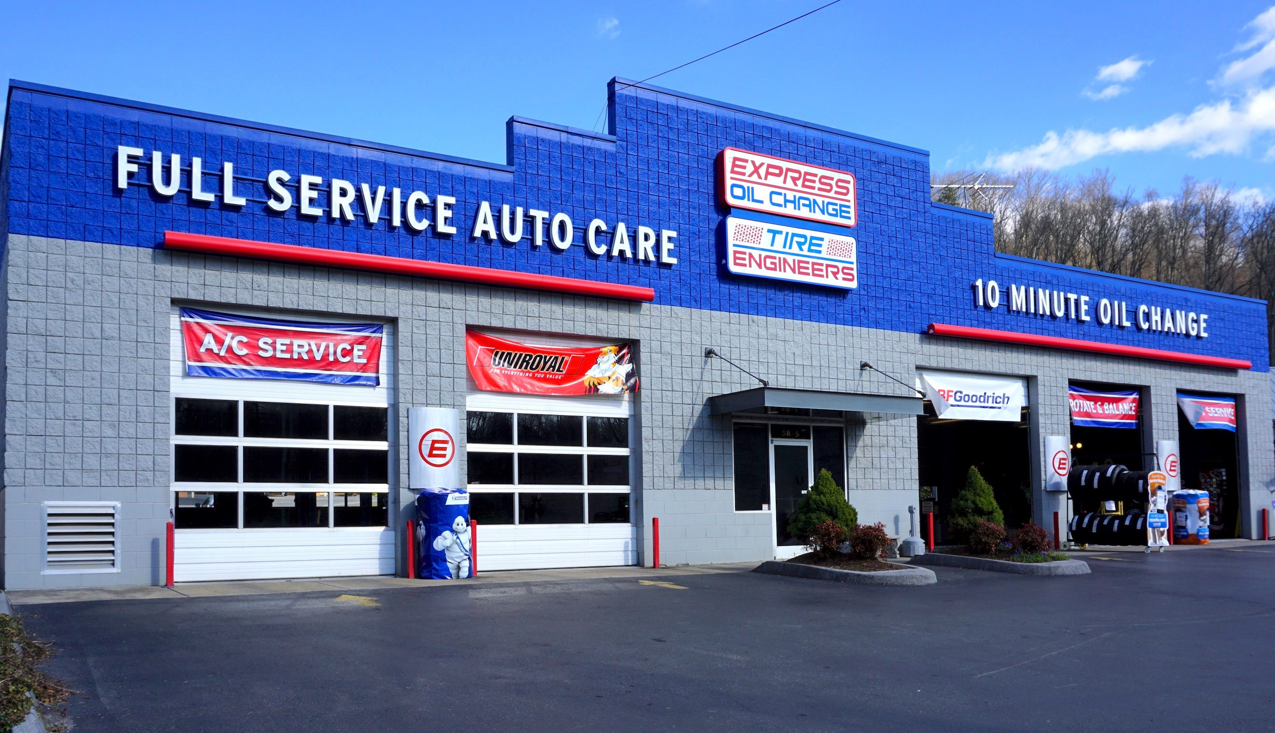 Express Oil Change & Tire Engineers Kingsport, TN - Fort Henry Drive store