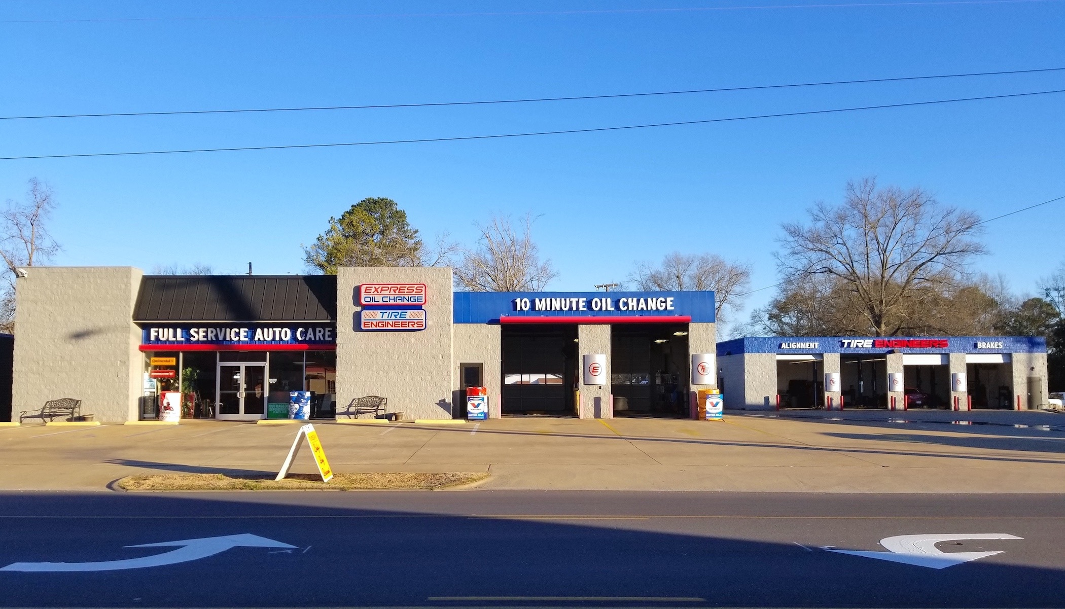 Express Oil Change & Tire Engineers Sylacauga, AL - Fort Williams store