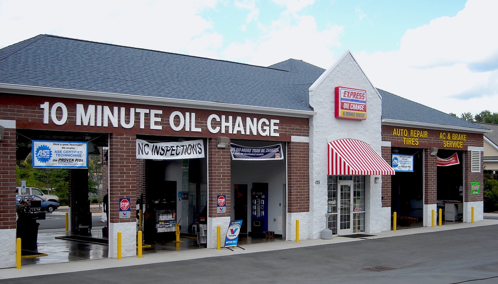 Express Oil Change & Service Center Winston-Salem, NC - Hanes Mill Road store