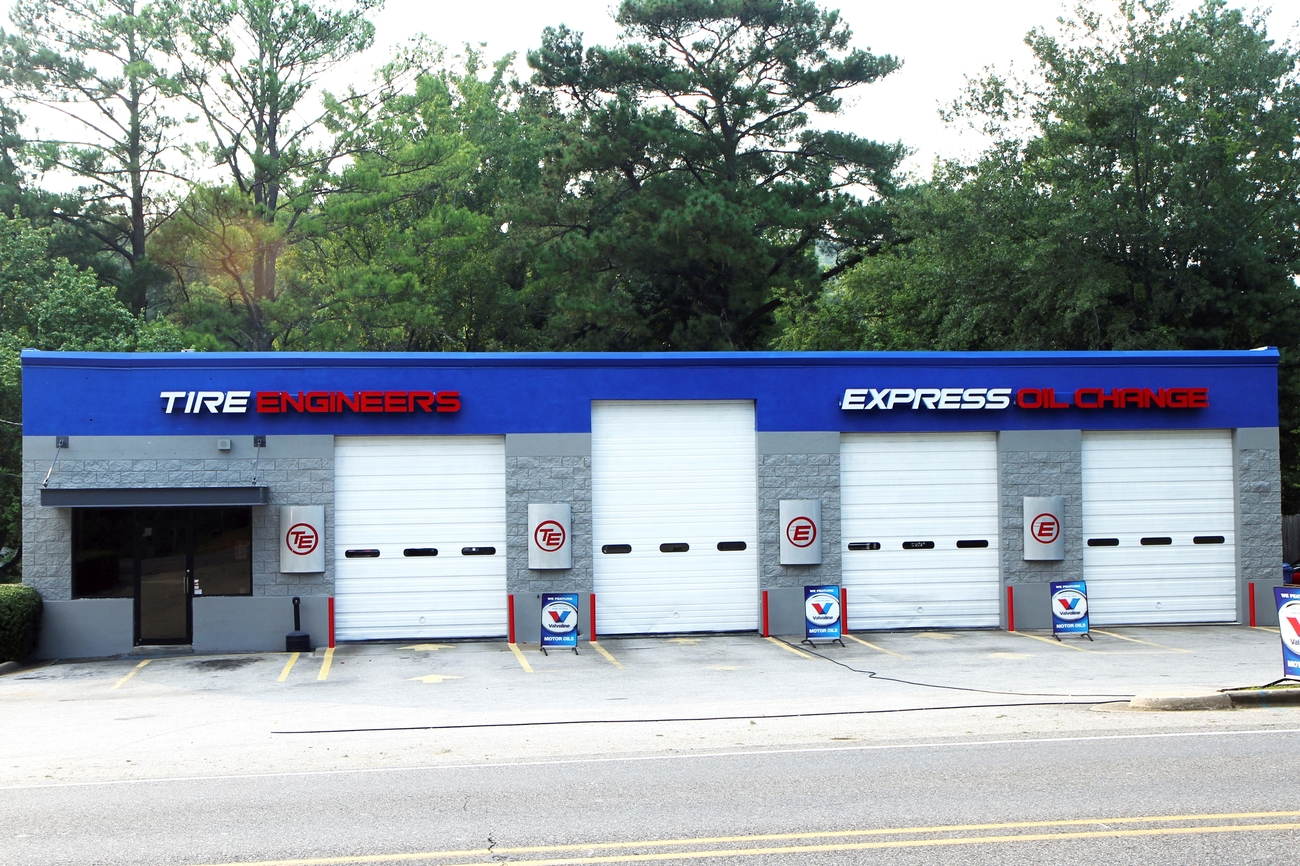 Express Oil Change & Tire Engineers Vestavia Hills, AL - Rocky Ridge Road store