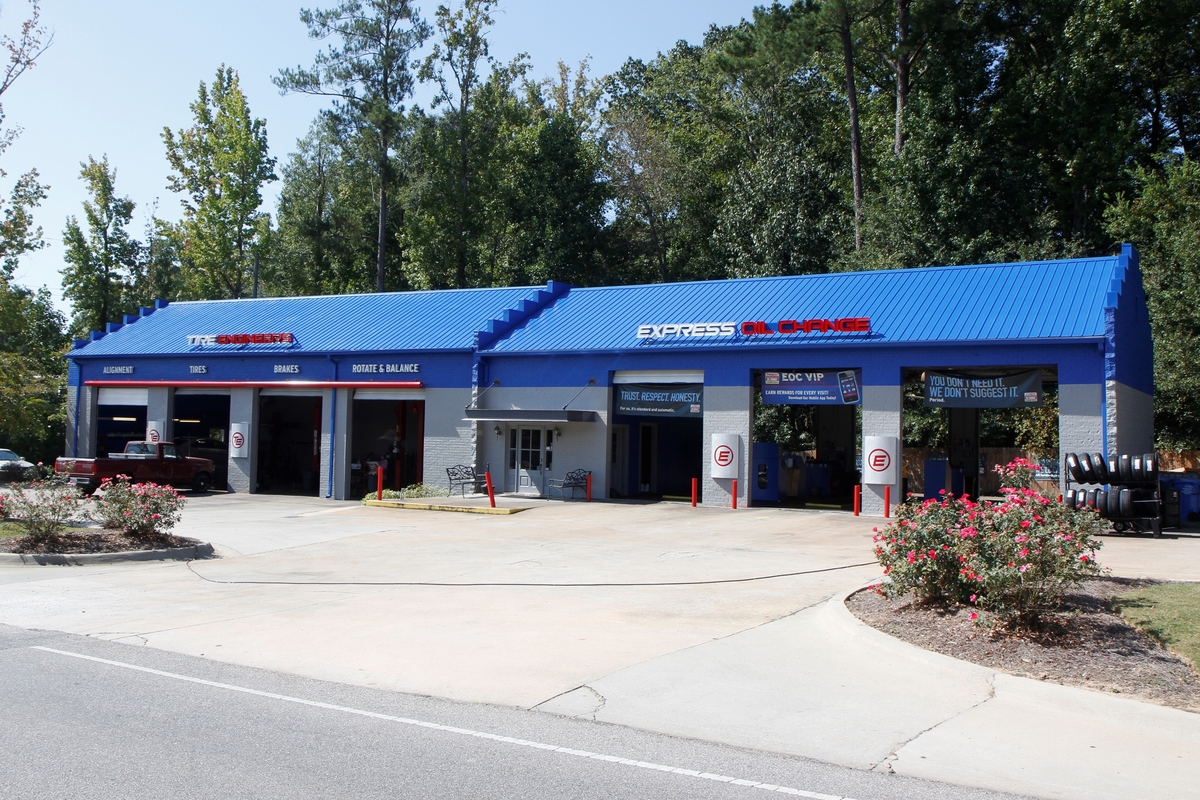 Express Oil Change & Tire Engineers Helena, AL store