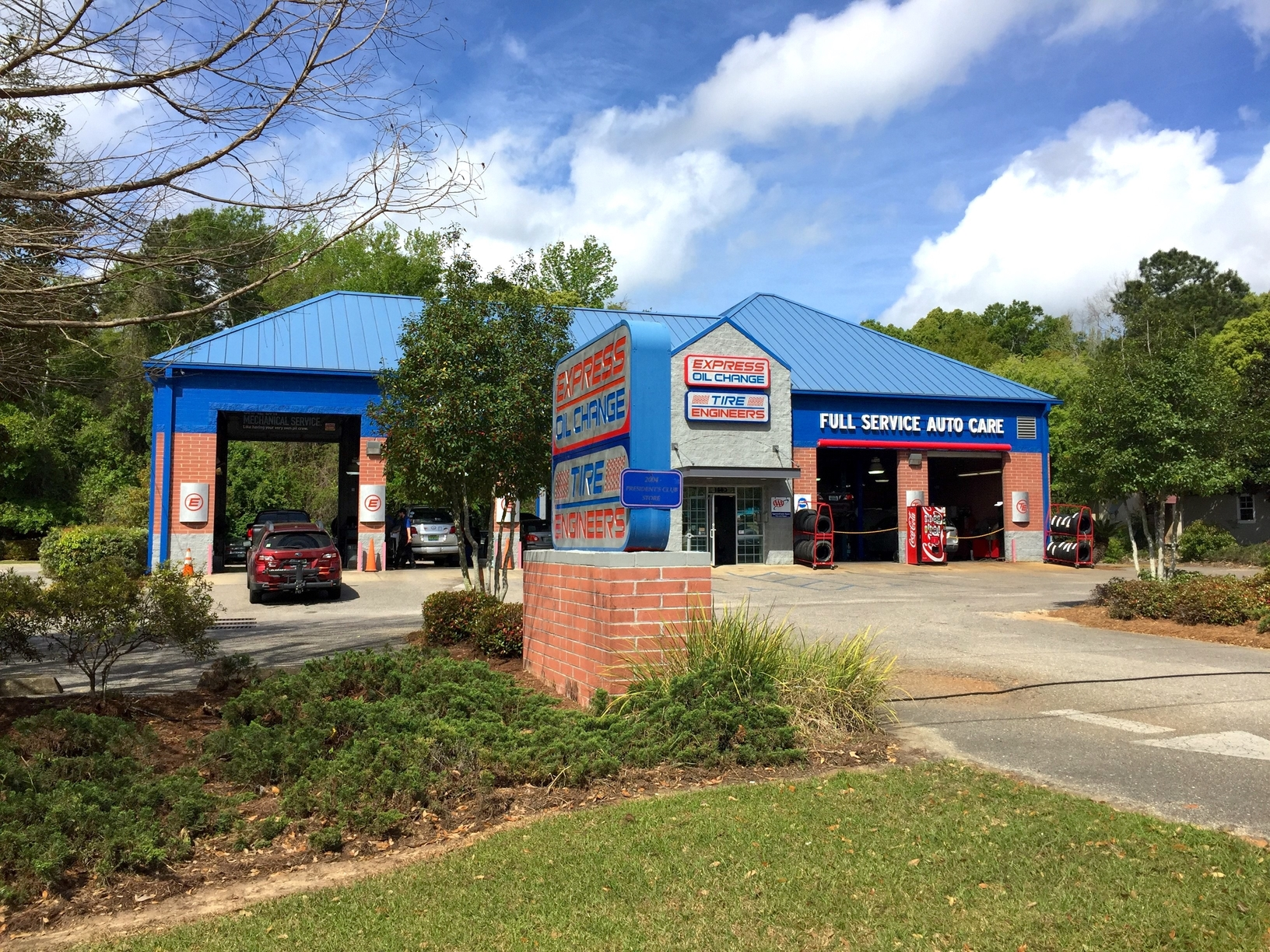 Express Oil Change & Tire Engineers at Daphne, AL store
