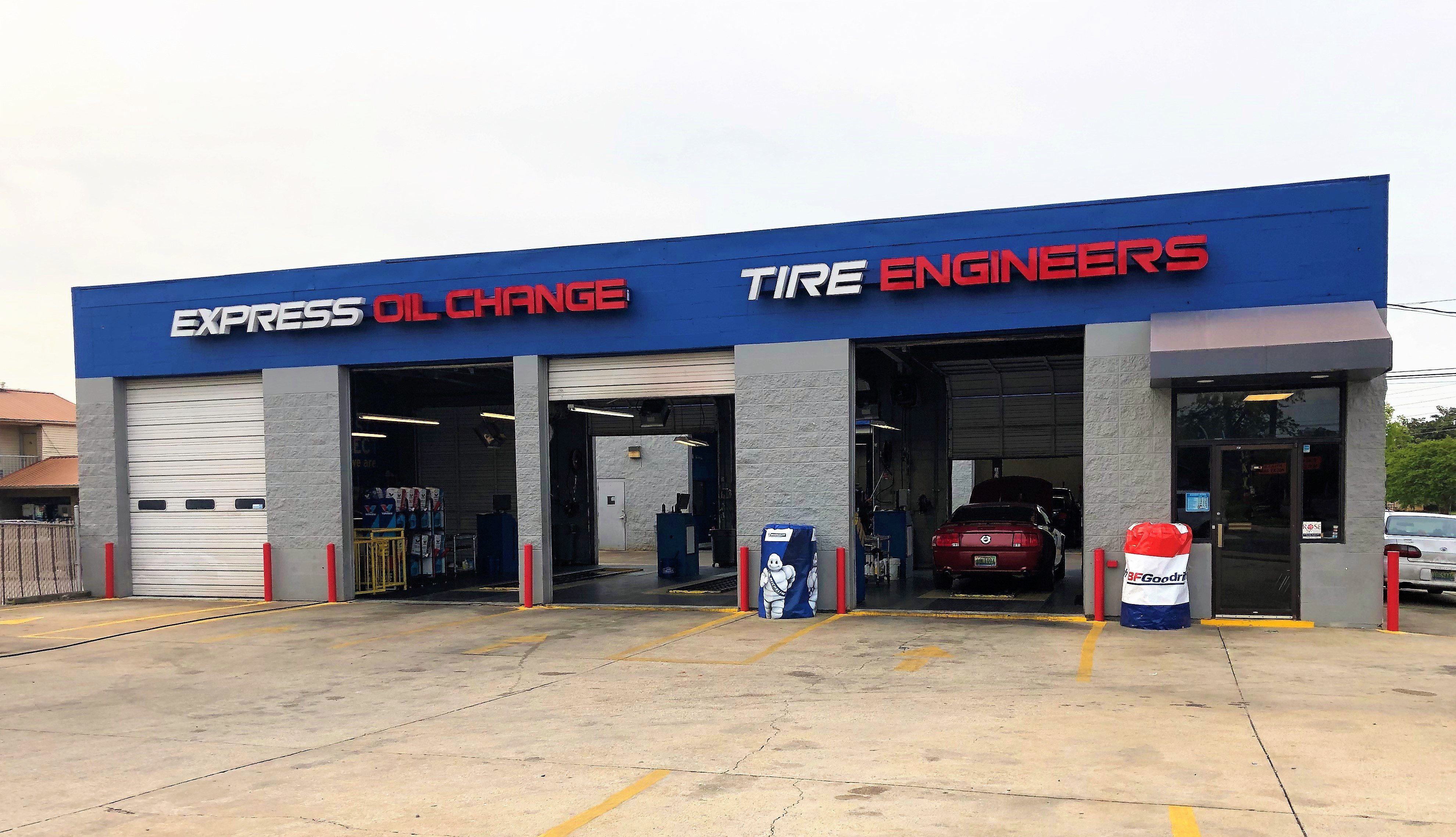 Express Oil Change & Tire Engineers Birmingham, AL - 3rd Avenue West store