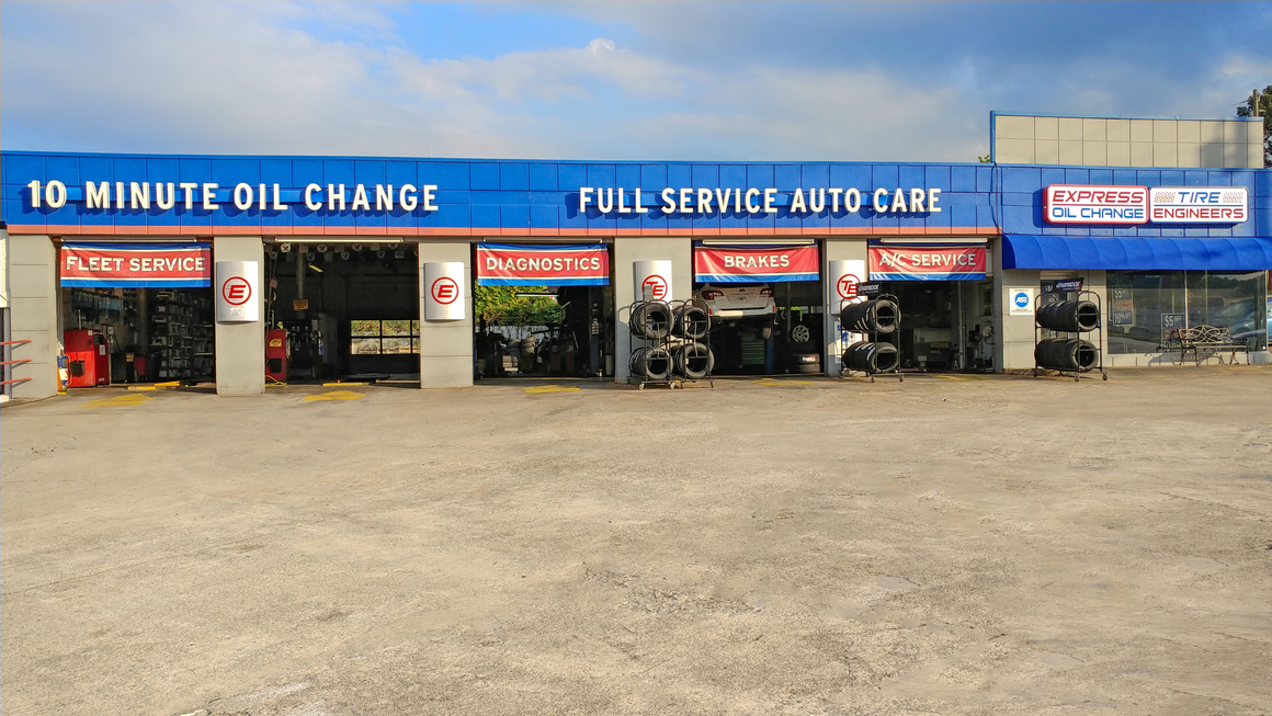 Express Oil Change & Tire Engineers Chamblee, GA - Peachtree Industrial store