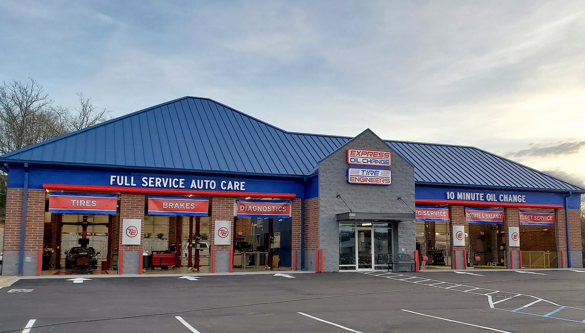 Express Oil Change & Tire Engineers at Taylors, SC - North Hampton Market store