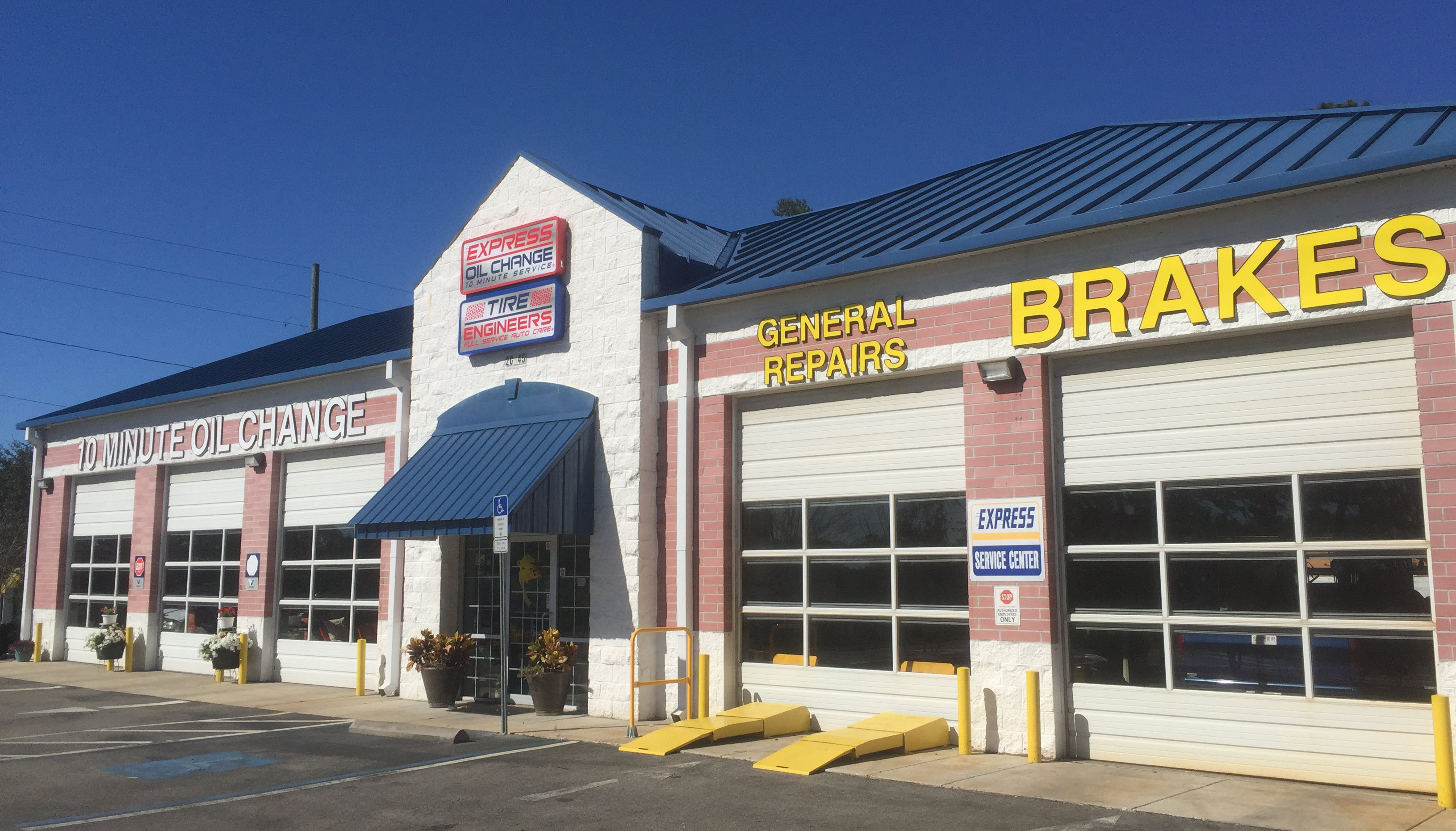 Express Oil Change & Tire Engineers at Brooksville, FL - Cortez Boulevard store