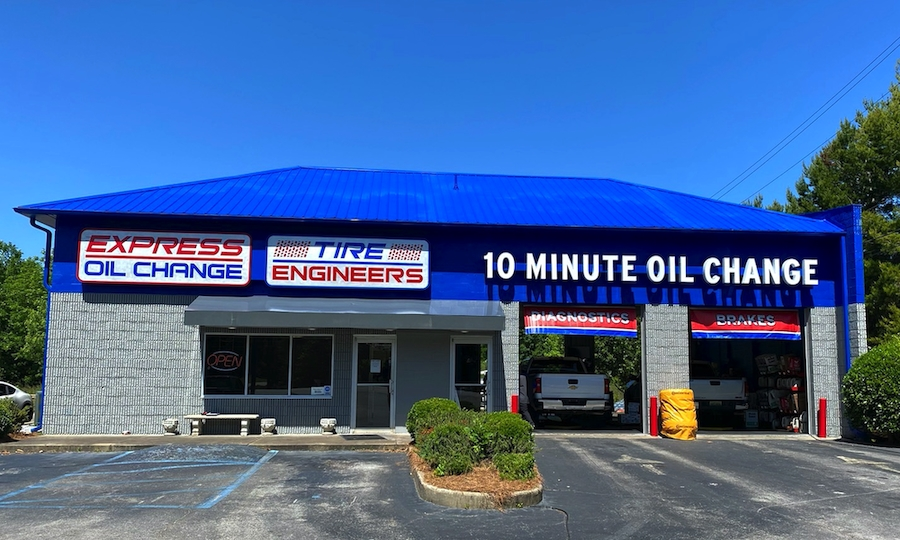 Express Oil Change & Tire Engineers at Pelham, AL - Cahaba Valley Creek store