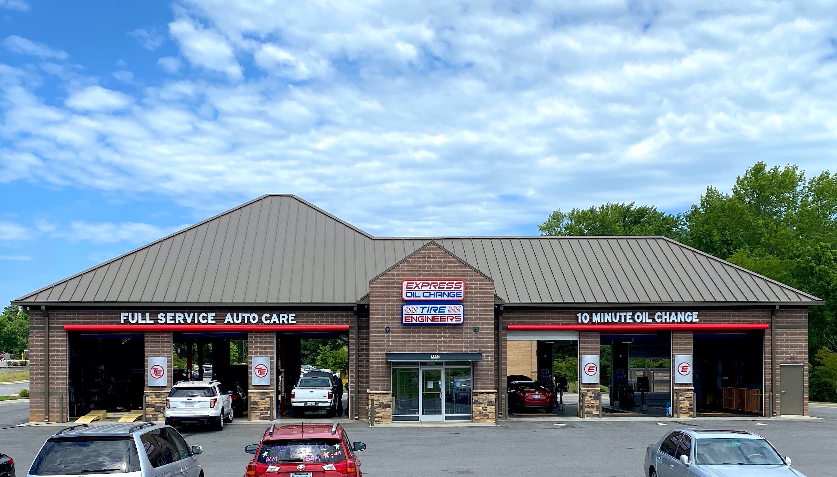Express Oil Change & Tire Engineers Concord, NC - Concord Mills store