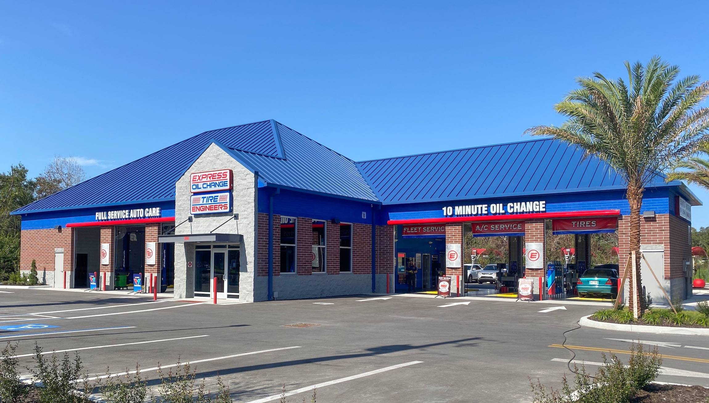 Express Oil Change & Tire Engineers at Tampa, FL - Egypt Lake store