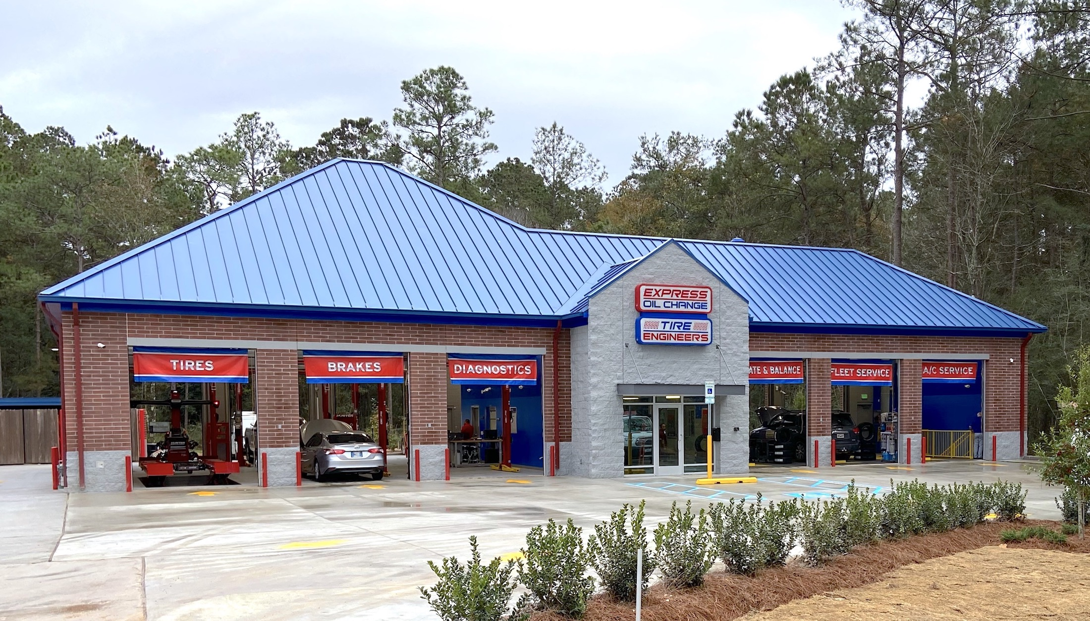 Express Oil Change & Tire Engineers at Covington, LA - Normandy Oaks store