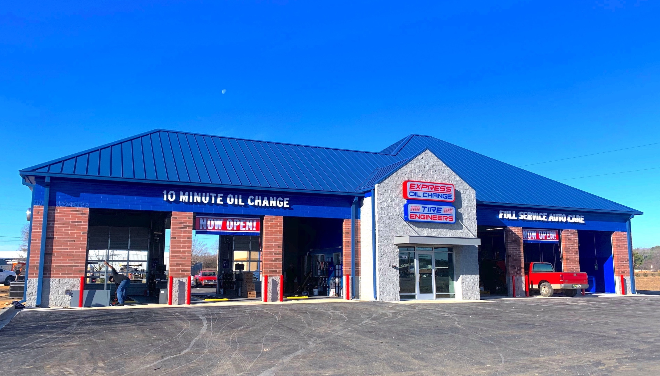 Express Oil Change & Tire Engineers at Calera, AL - Calera Marketplace store