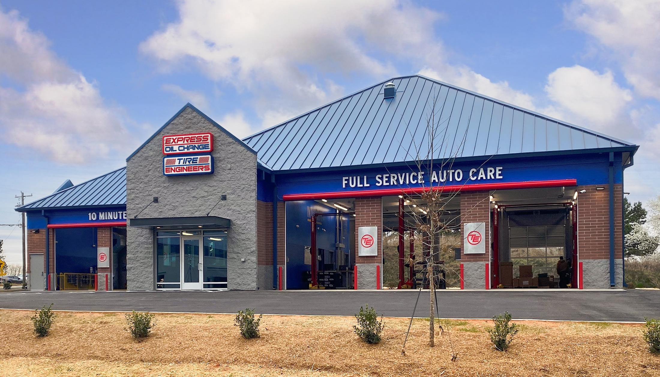 Express Oil Change & Tire Engineers at Simpsonville, SC - Martin's Run store