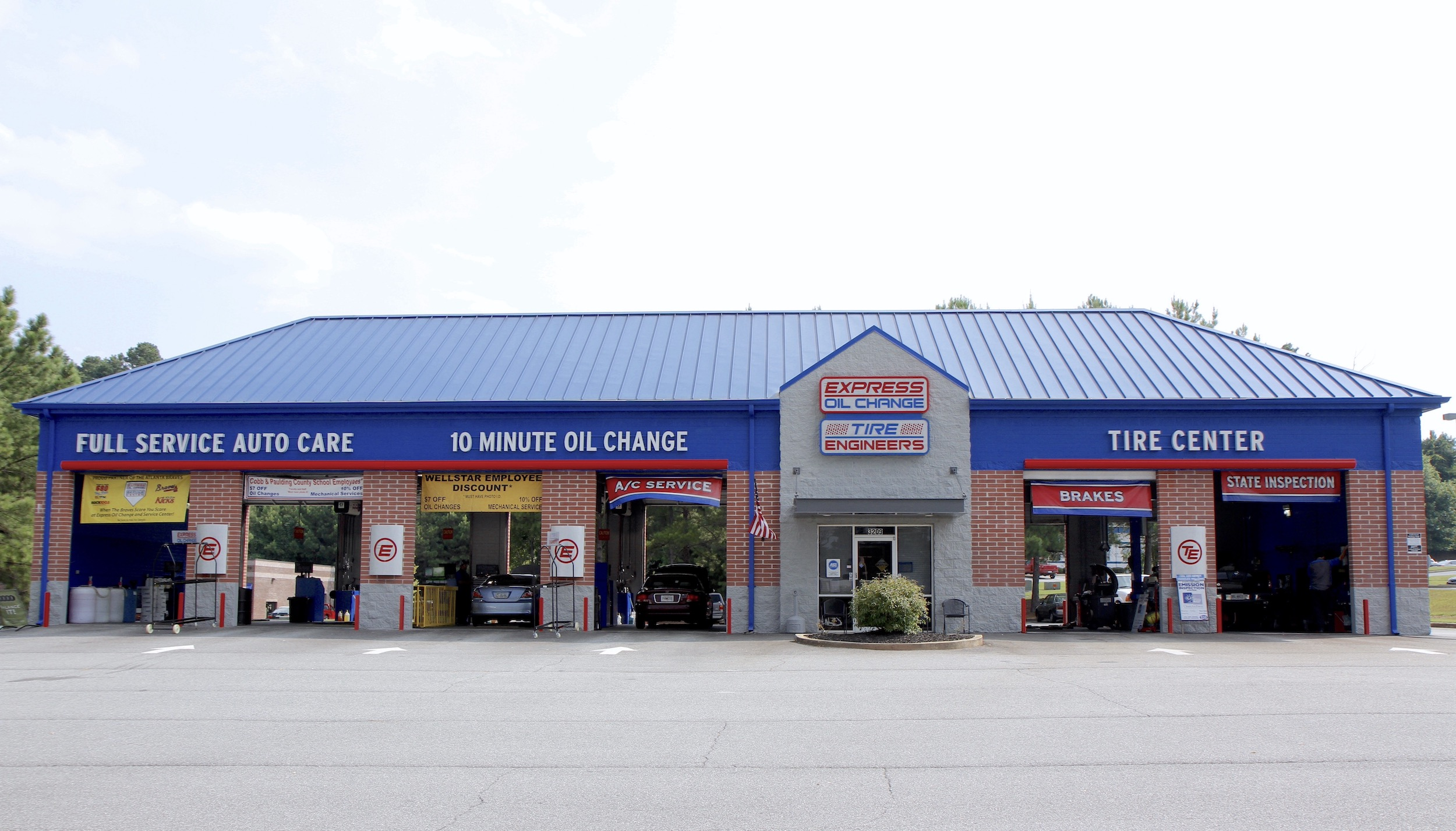 Express Oil Change & Tire Engineers at Acworth, GA store
