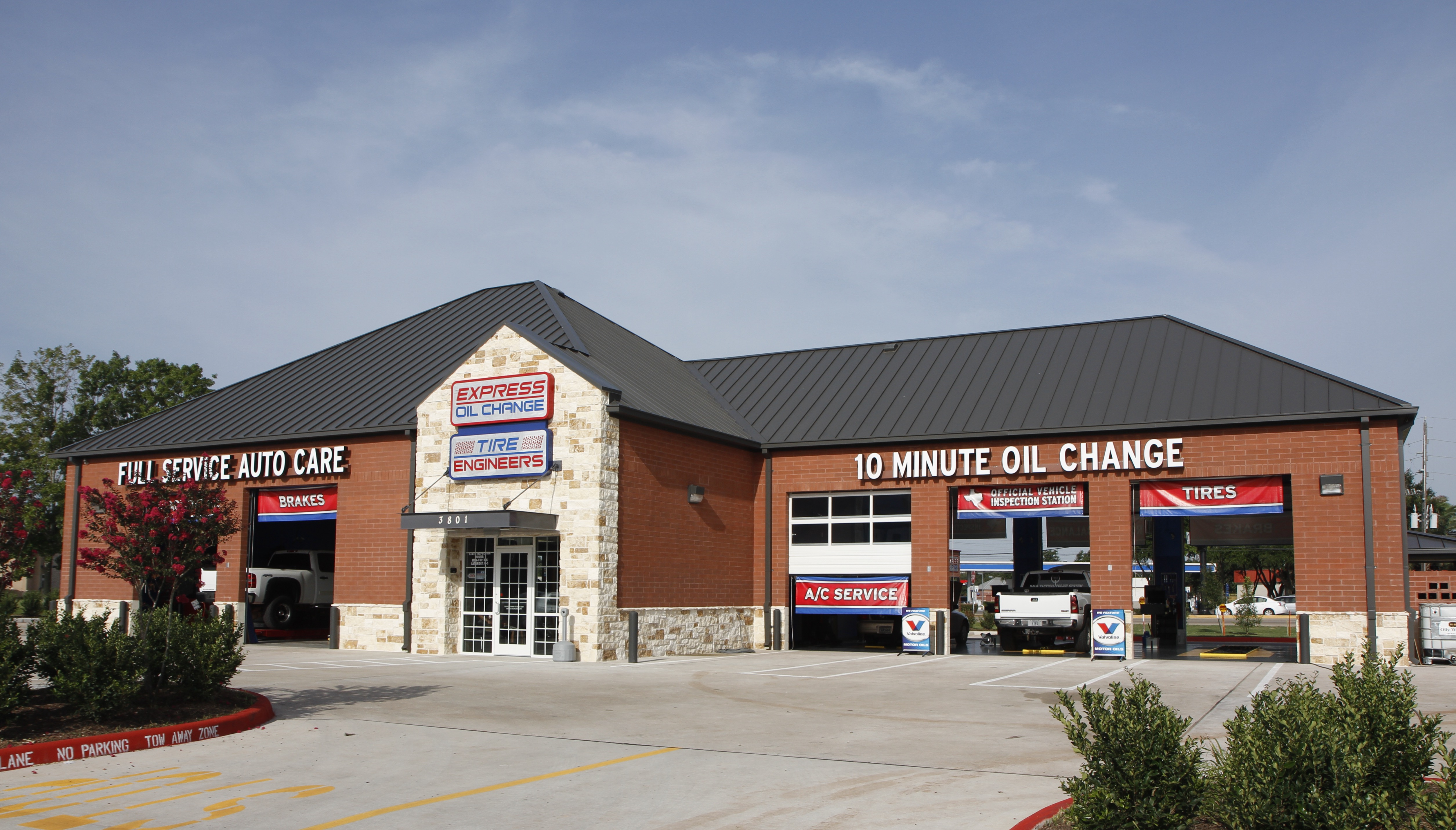Express Oil Change & Tire Engineers at Missouri City, TX store