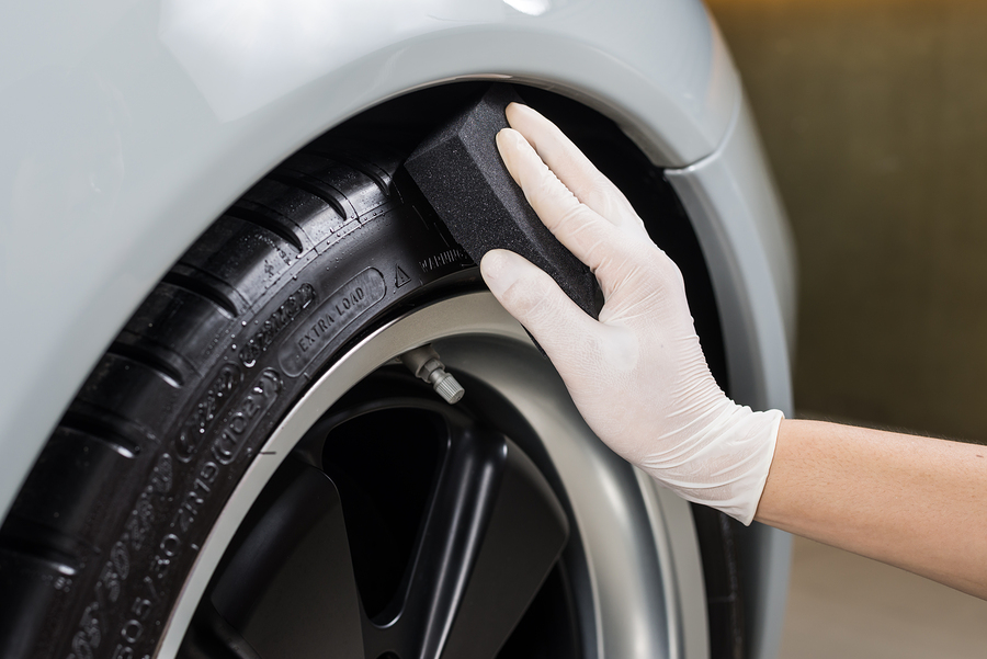 There are many options when it comes to choosing a local tire shop. Knowing what to look for can help make the process less stressful!